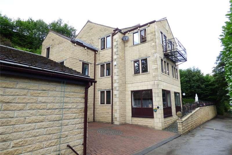 4 Bedrooms Detached House for sale in Heron Lane, Mossley, OL5