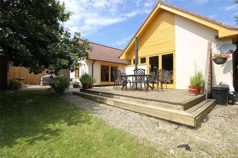 4 Bedrooms Bungalow for sale in The Ridgeway, Woodley, Reading, Berkshire, RG5