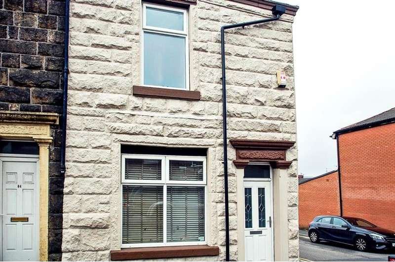 3 Bedrooms Property for sale in Livesey Branch Road, Blackburn, Lancashire, BB2 4LU