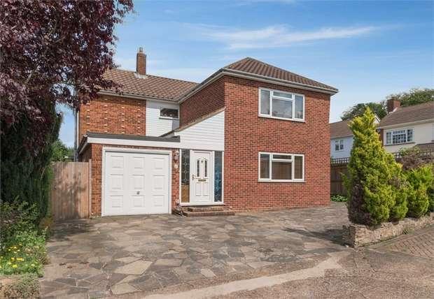 5 Bedrooms Detached House for sale in Oakwood Gardens, Orpington, Kent