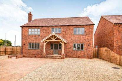 4 Bedrooms Detached House for sale in Barroway Drove, Norfolk