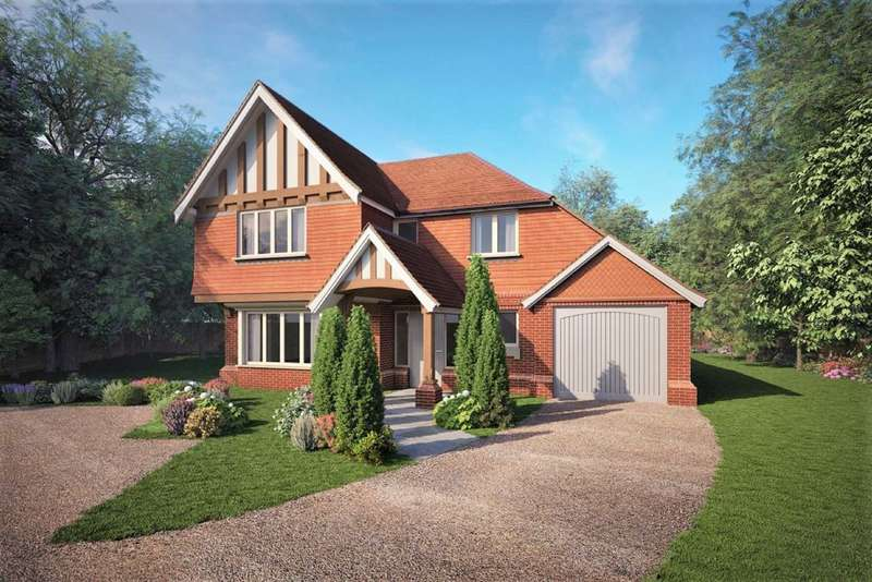 4 Bedrooms Detached House for sale in Thorn Road, Boundstone, Farnham