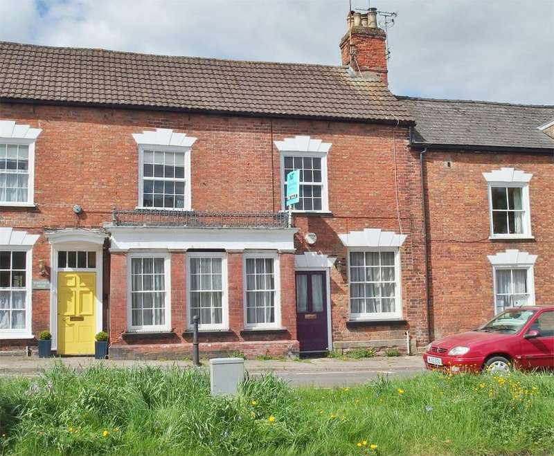 2 Bedrooms Terraced House for sale in High Street, Newnham, GL14