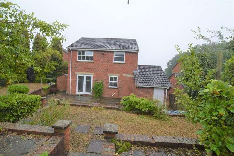 3 Bedrooms Detached House for rent in Beechwood, High Spen