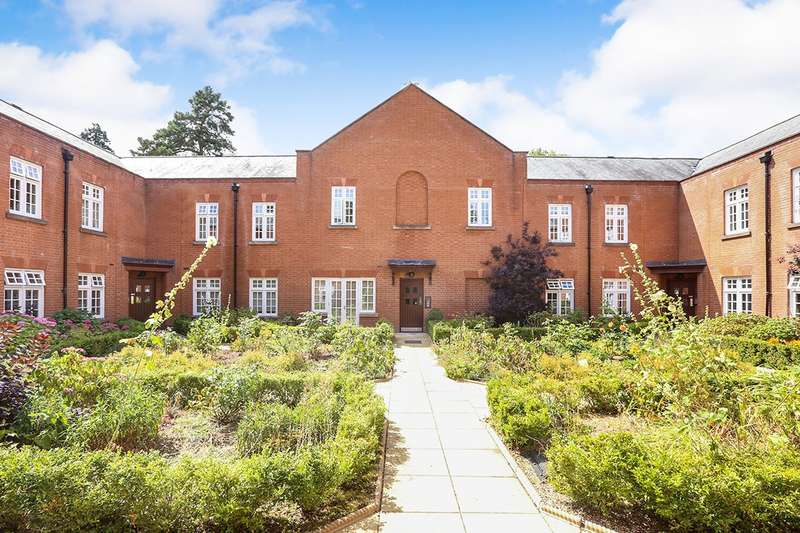 2 Bedrooms Apartment Flat for sale in Wergs Hall, Wolverhampton, WV8
