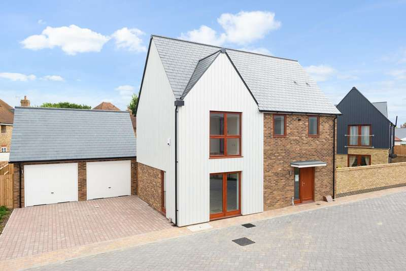 3 Bedrooms Detached House for sale in Heritage Fields, Manor Road, St Nicholas-At-Wade, CT7