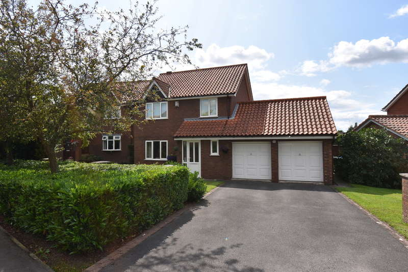 4 Bedrooms Detached House for sale in Mill Hill Crescent, Northallerton