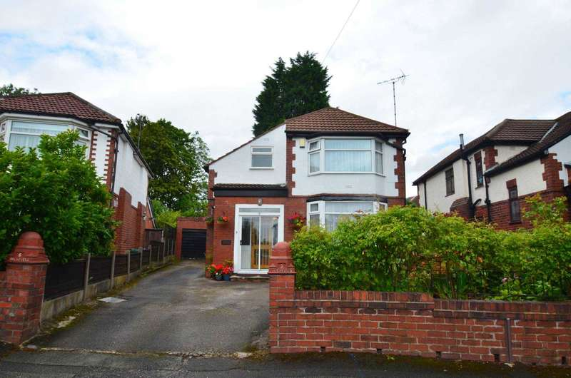 4 Bedrooms Detached House for sale in Links Crescent, Prestwich