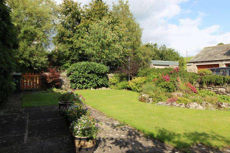 4 Bedrooms Semi Detached House for sale in Stunning 4 bedroom barn conversion