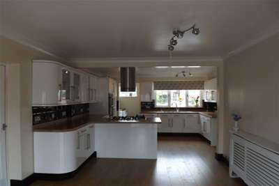5 Bedrooms House for rent in Kempston