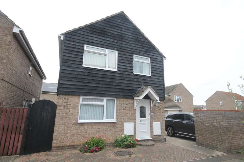 4 Bedrooms Detached House for sale in Marigold Avenue, Clacton on Sea