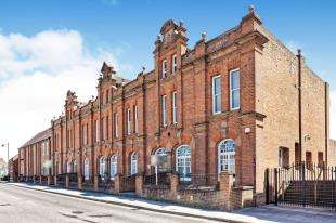 2 Bedrooms Flat for sale in The Merchant Store, Station Road West, Canterbury, Kent
