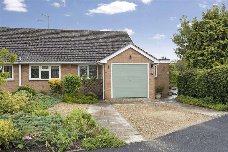 2 Bedrooms Bungalow for sale in Pound Lane, Mickleton, Gloucestershire, GL55