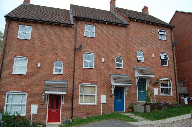 3 Bedrooms Town House for rent in Eastfields, Braunston, Northampton NN11 7JN