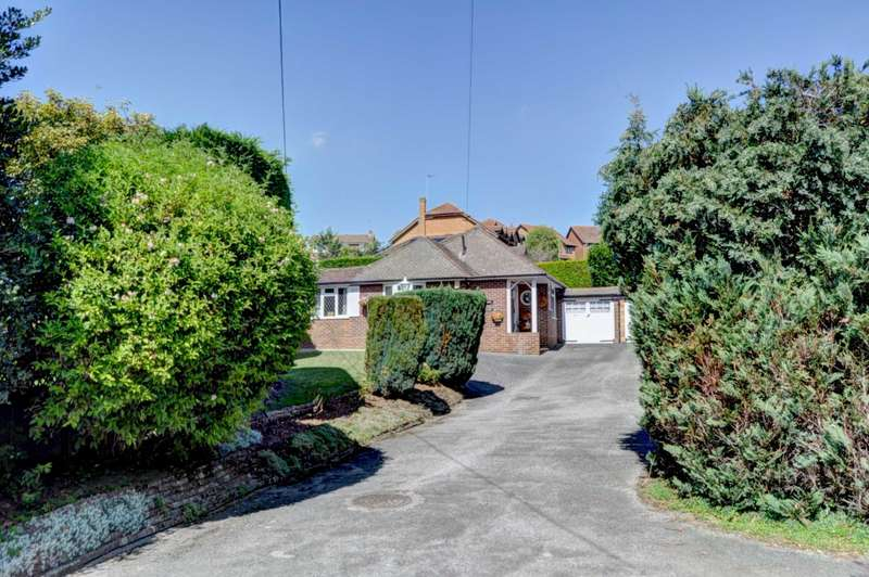 3 Bedrooms Detached Bungalow for sale in Marlow Bottom, Marlow