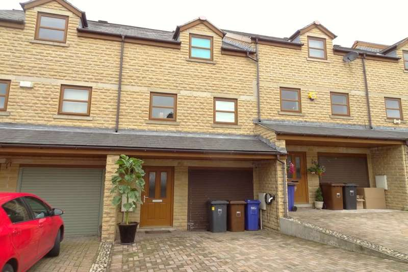 3 Bedrooms Terraced House for sale in Alkincoats Road, Colne, BB8