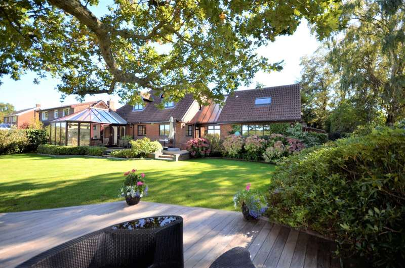 6 Bedrooms Detached House for sale in The Drove, West End, Southampton, SO30