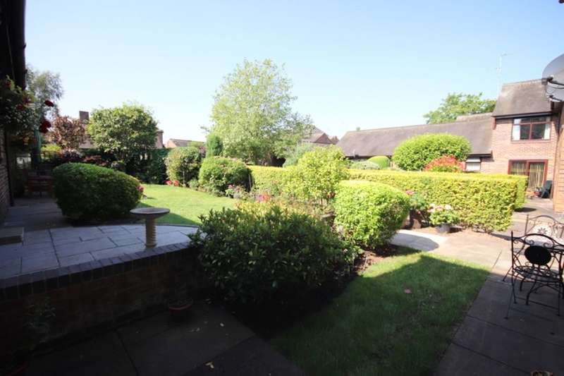 2 Bedrooms Flat for sale in Rectory Close, Nantwich, CW5