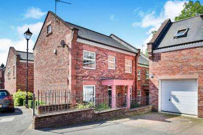 3 Bedrooms Detached House for sale in Woodland View, Godley, Hyde, Greater Manchester