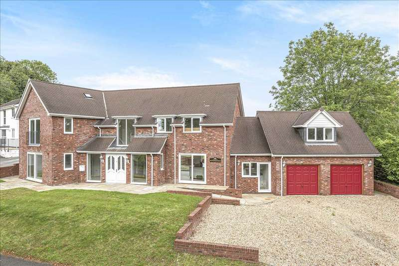 5 Bedrooms Detached House for sale in Withersfield, Lynch Hill Park, Whitchurch