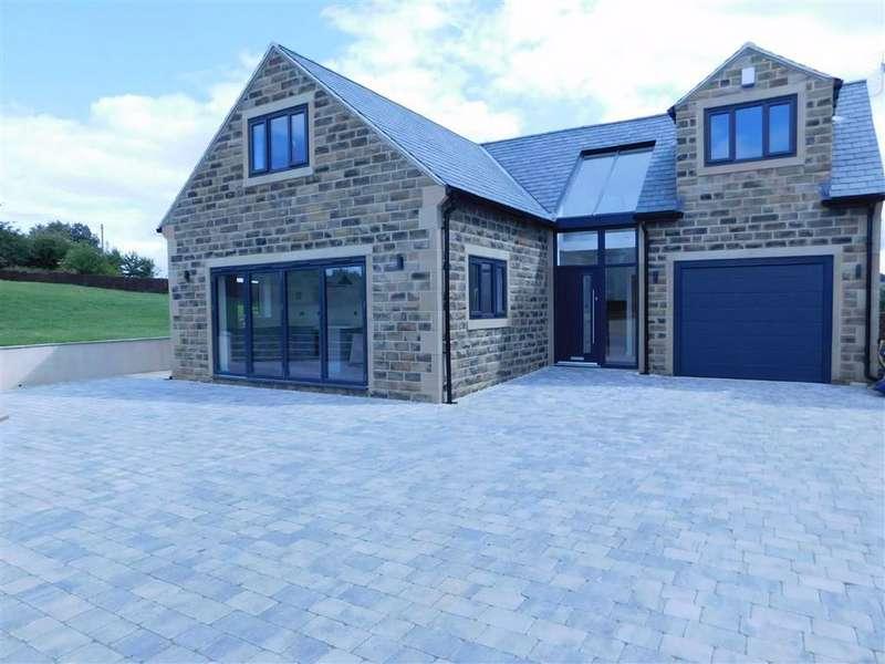 3 Bedrooms Detached House for sale in Carr Mount, Kirkheaton, Huddersfield
