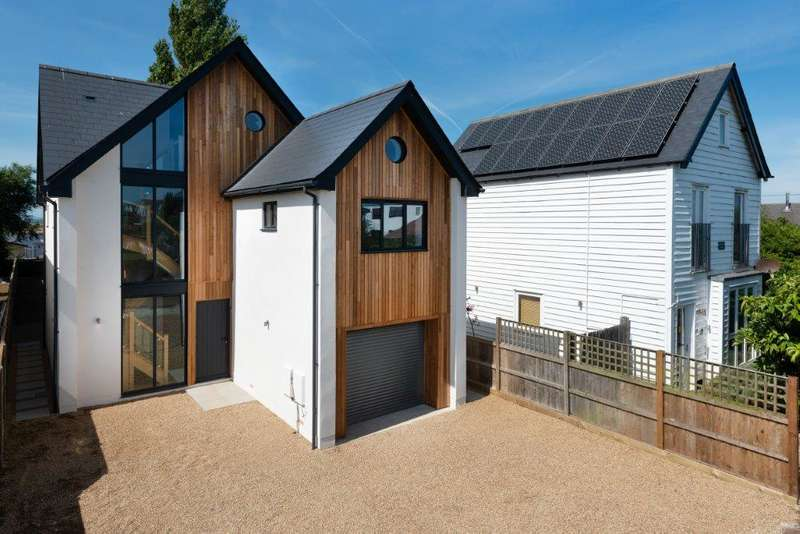 4 Bedrooms Detached House for sale in Allan Road, Whitstable, CT5