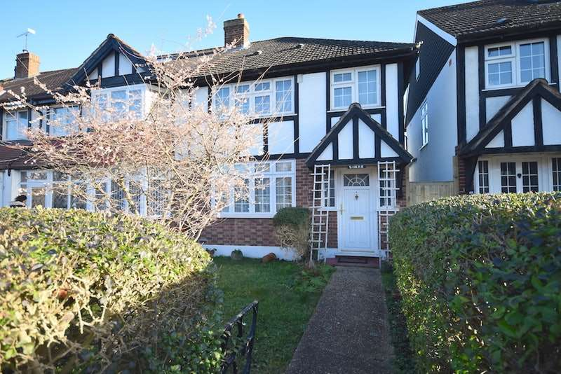 3 Bedrooms Semi Detached House for sale in Nightingale Road, Carshalton, London, SM5