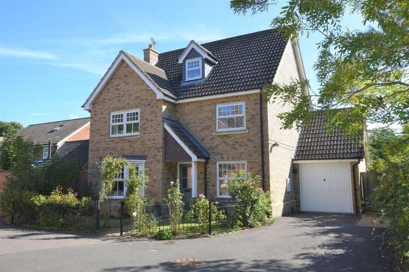 4 Bedrooms Detached House for sale in Bilberry Gardens, Mortimer Common, Reading, RG7