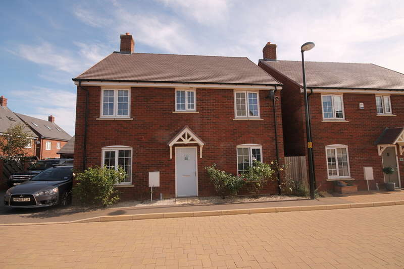 4 Bedrooms Detached House for sale in Avocet Road, Bedford, MK42
