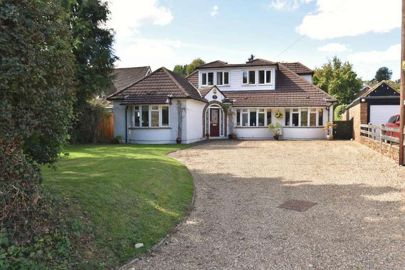 4 Bedrooms Detached House for sale in Vale Road, Chesham, HP5