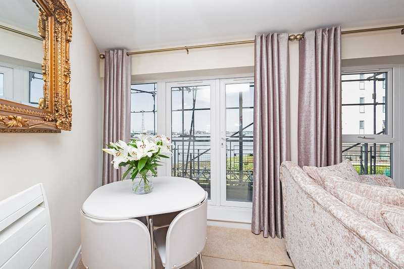 1 Bedroom Apartment Flat for sale in Carmichael Avenue, Greenhithe, Kent, DA9