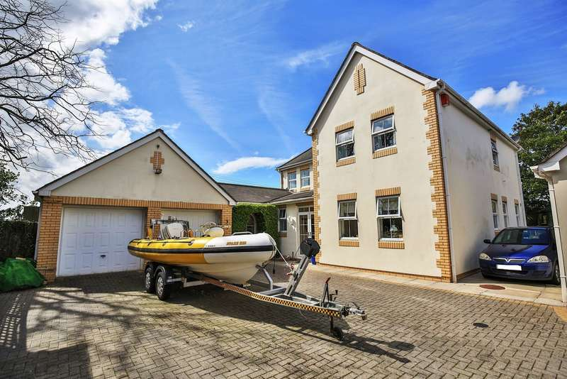 4 Bedrooms Detached House for sale in Cwrt St Cyres, Penarth