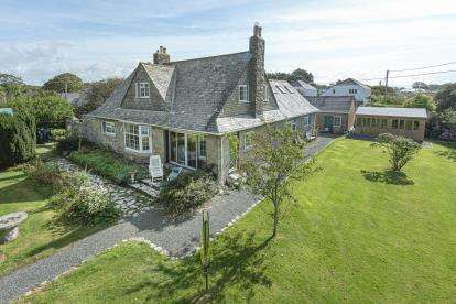 4 Bedrooms Detached House for sale in Rosudgeon, Penzance, Cornwall