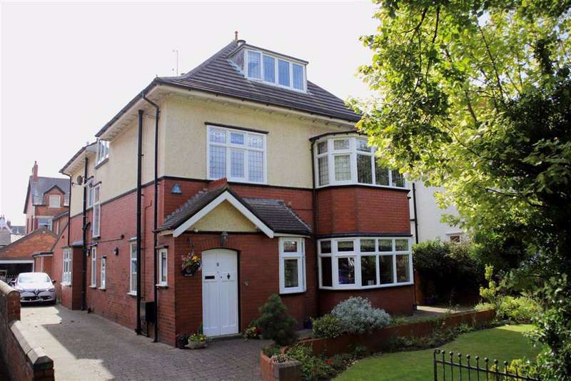 5 Bedrooms Detached House for sale in Park Avenue, Lytham St Annes