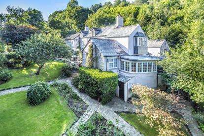 7 Bedrooms Detached House for sale in Polperro, Looe, Cornwall