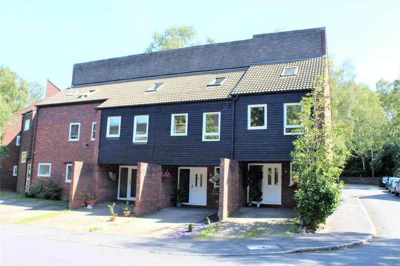 4 Bedrooms Terraced House for sale in Northcott, Bracknell, Berkshire, RG12