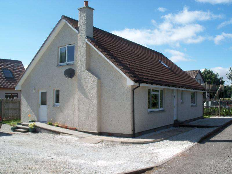 4 Bedrooms Detached House for sale in Sunderland Place, Alness, Ross-Shire, IV17