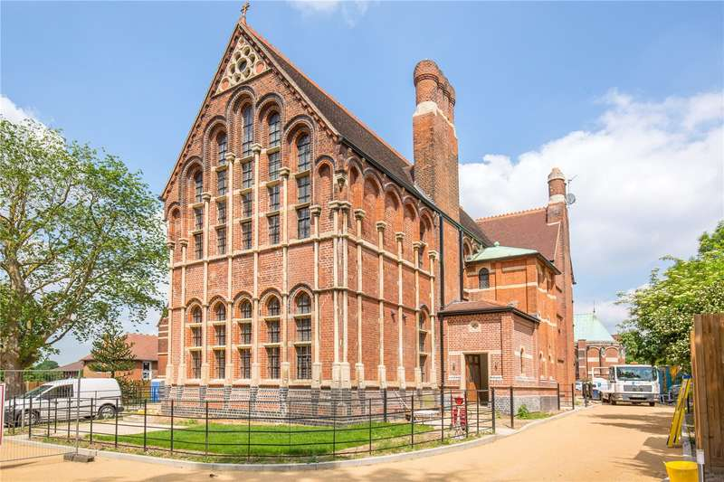 3 Bedrooms Apartment Flat for sale in Wildernesse House, Wildernesse Close, Edgware, London, HA8