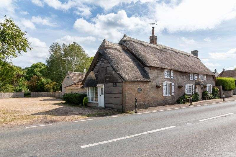 4 Bedrooms Property for sale in Castlebrook Compton Dundon, Somerton