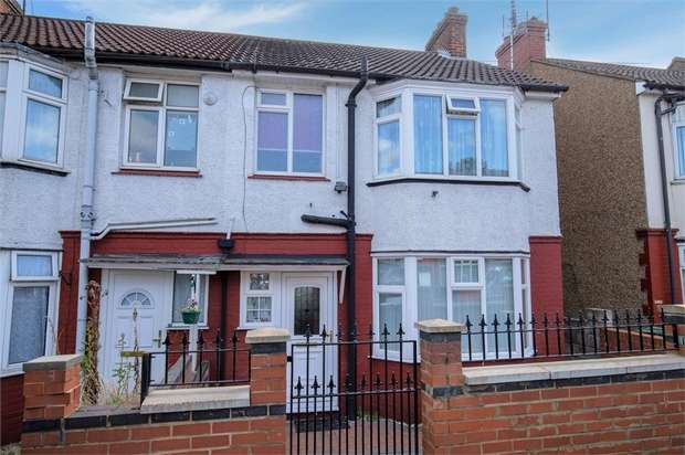 3 Bedrooms End Of Terrace House for sale in Bradley Road, Luton, Bedfordshire