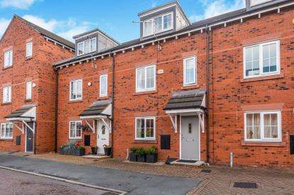3 Bedrooms Terraced House for sale in Spinners Place, Warrington, Cheshire, WA1