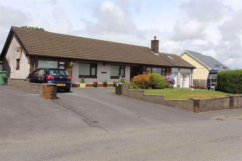 5 Bedrooms Detached Bungalow for sale in School Road, Llangain, Carmarthen