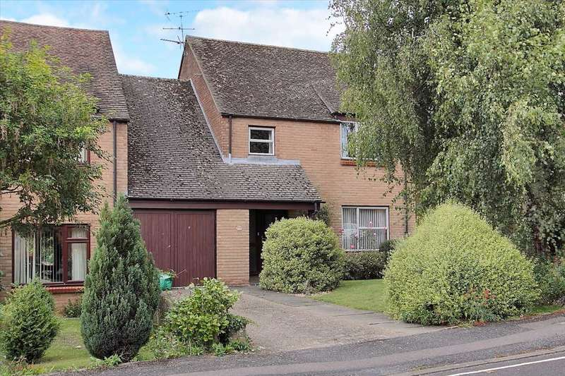 4 Bedrooms Link Detached House for sale in Kingsley Park, Whitchurch