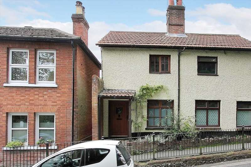 2 Bedrooms Semi Detached House for sale in Newbury Street, Whitchurch