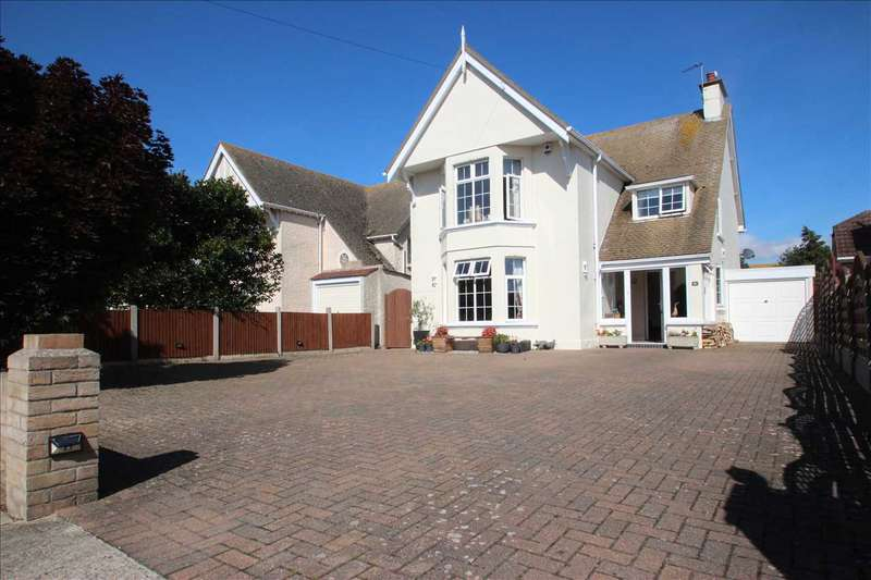4 Bedrooms Detached House for sale in Arnold Road, Clacton-on-Sea