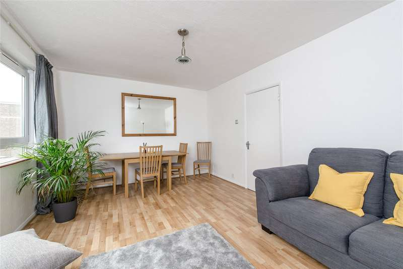 2 Bedrooms Flat for sale in Simon Lodge, 76 Victoria Drive, London, SW19