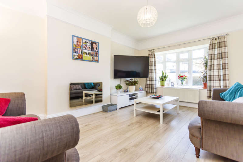4 Bedrooms Detached House for sale in Hathaway Road, Southbourne