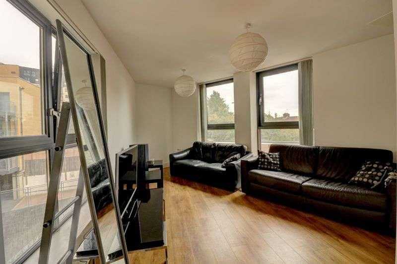 1 Bedroom Property for sale in Bramley Crescent, Ilford