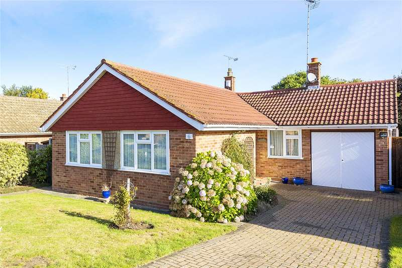 3 Bedrooms Detached Bungalow for sale in The Spinney, Ongar, Essex, CM5