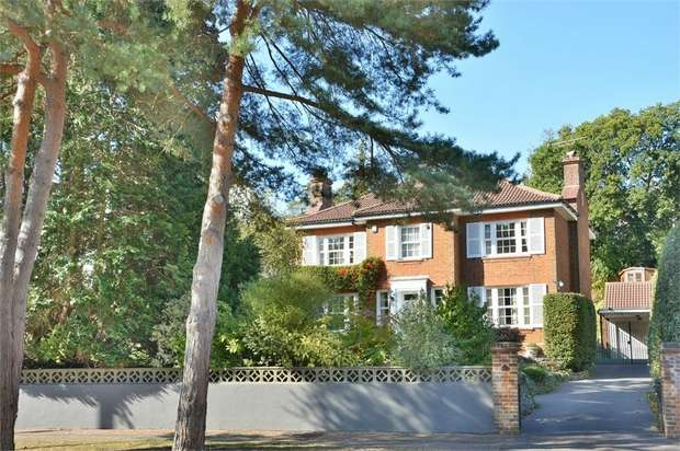 4 Bedrooms Detached House for sale in Queens Park Avenue, Queens Park, Bournemouth